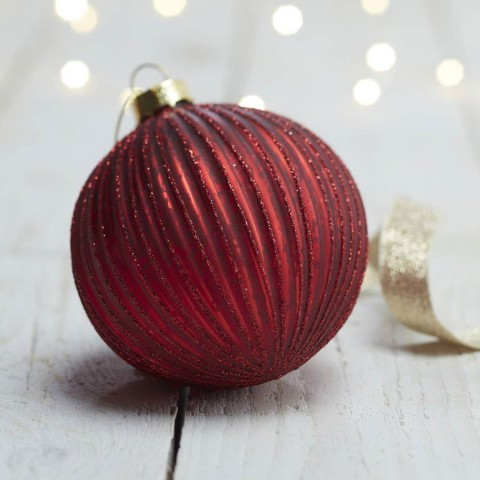 Red Ribbed Glitter Bauble
