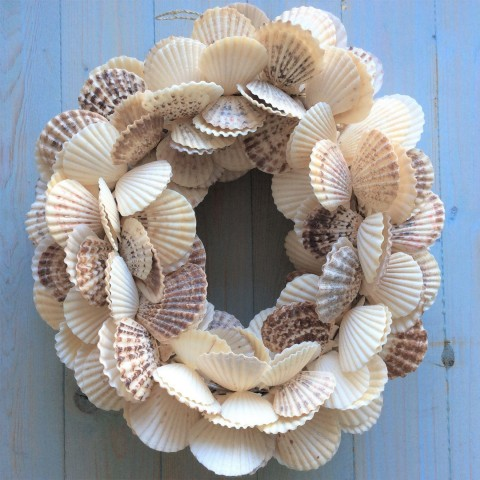 Natural Scallop Shell Wreath