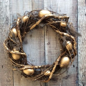Twig Easter Wreath With Gold Eggs