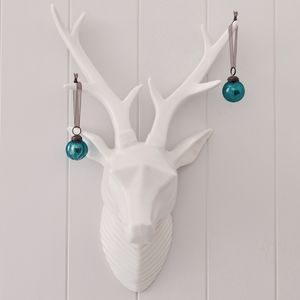 White stags head ornament